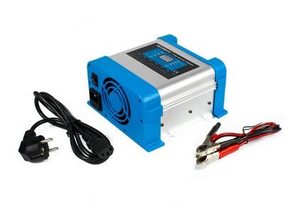 Ładowarka sieciowa 12 V do akumulatorów BC-20 PRO 20A (230V/12V) LCD 7 stopni ładowania Inteligentna ładowarka sieciowa (prostownik) 12 V do akumulatorów samochodowych, żelowych, AGM o mocy 300W. 7 stopniowy algorytm ładowania
